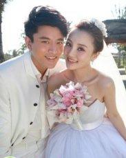 幸福新娘李小璐 甜美新娘发型欣赏