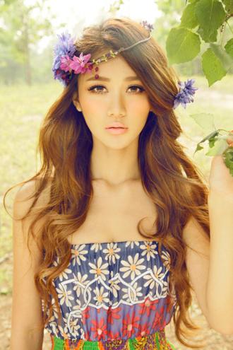 七月魅力时尚卷发发型图片