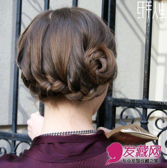 步骤  导读:轻巧的盘发发髻是现在欧美街头常见的夏季发型了,结合编发