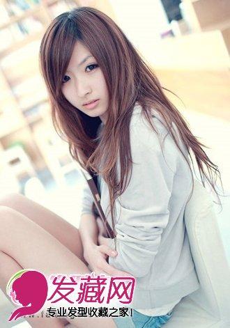 斜刘海女生直发发型图片