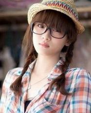 齐刘海直发发型扎法 直发发型设计