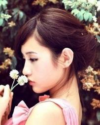 发型设计网 6款日系女生盘发发型