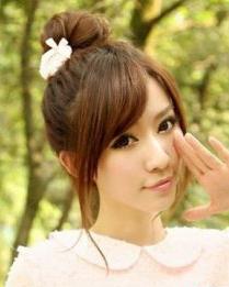 斜刘海发型图片 8月最新时尚斜刘海发型图片