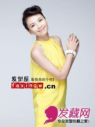 近日,刘涛曝光了一组全新写真,照片中的她笑容甜美娇俏可人