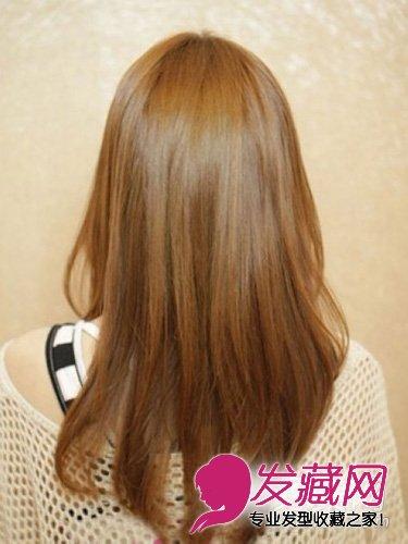 剪碎的发尾和倒三角形的修剪方式充满着立体感觉,经过剪碎后,发型变