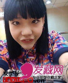 发型网 女生发型 女明星发型 > 《中国好声音》吴莫愁古灵精怪生活照图片
