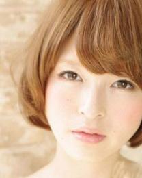 日系女生短发发型图片 胖脸适合