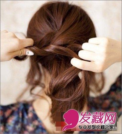 女生马尾发型 > 侧扎马尾发型 简单好看的扎发教程(5)  导读:步骤3,将