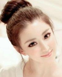 女生斜刘海发型图片 让你展现迷