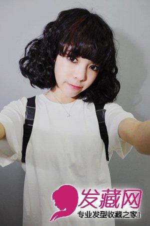韩式短发蛋卷头 内扣齐刘海显得俏皮可爱  导读:蛋卷头发型是来自韩国
