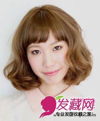 齐刘海女生短发发型图片