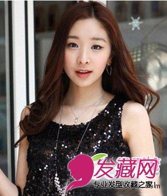 > 齐肩长度的梨花头发型 中分刘海发型(4)  导读:中分长 卷发发型