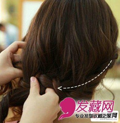 韩式盘发发型第六步:编织好后,我们将头发从右边沿着脖子的弧度,继