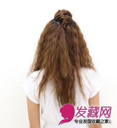 > 简单好看的扎发diy(3)  导读:diy发型步骤: 直接把刘海的部分头发