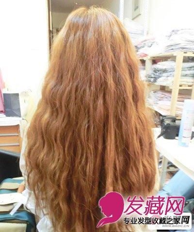 发型网 流行发型 时尚发型 > 蛋卷头怎么烫 甜美蛋卷头图片教程图解图片