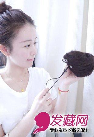 甜美的韩式丸子头扎发 步骤图解 6