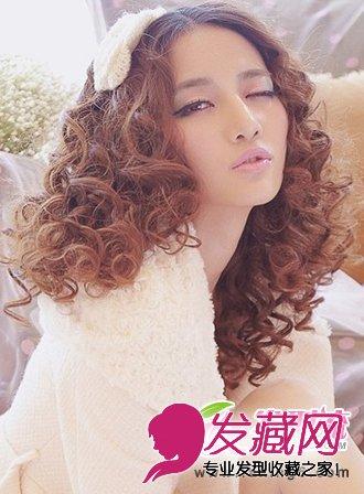 最新可爱发型有哪些 烫发尽显甜美气质(4)