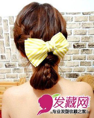 今天发型网小编给大家带来的就是这款温婉萝莉的可爱韩式发型编发.