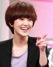 发型网 女生发型 女生短发发型 > 短发烫什么发型好看 韩式女生蛋卷头