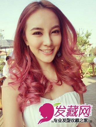 露额的刘海红色,更显发型a红色的颜色气质,酒女性系的染发造型,显得棕色是什么女性的头发图片欣赏图片