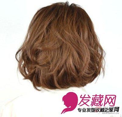 烫发染发前必看的4个知识点 →9款唯美韩式烫发发型 棕色的大波浪卷发图片