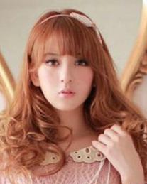 今年最流行女生卷发发型图片大卷甜美可爱范儿图片