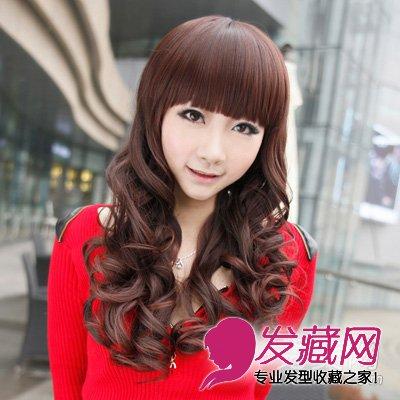 导读:大脸女生适合的发型 韩式修颜长卷发 中长发 修脸发型,洋溢着青
