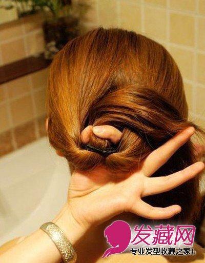 简单盘发教程 盘头发的方法图解 →头发扎成一个马尾辫 风靡亚洲的