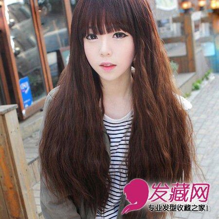 打造唯美仙女范 韩式女生齐 刘海 长卷发 ,长长的泡面头款式,尽显时尚图片