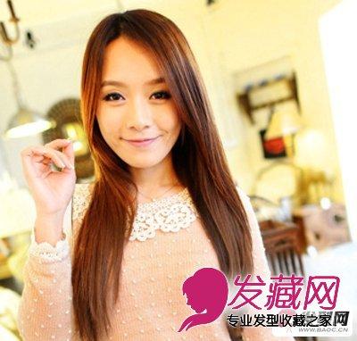 直发发型 ,大片侧分的刘海完美修饰了脸型,突显了精致的鹅蛋脸,直发的图片