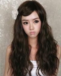 春季最流行的泡面头发型 发少MM也适合