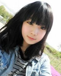 齐刘海的中长发发型 修饰大脸的好帮手