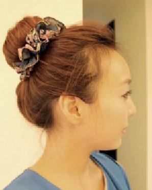 韩式包包头的扎发教程 很可爱的包包头发型