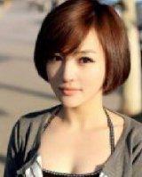 三七分的斜刘海发型尽显清新的女人气质