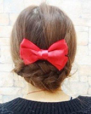 打造清新甜美范 简单韩式发型扎法图解