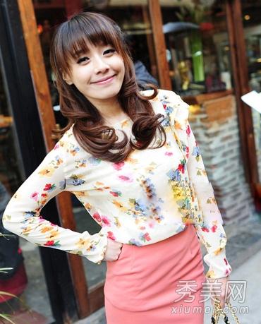 短裙甜美可爱发型