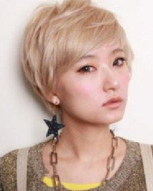 【女生短发短发】最新发型数码陶瓷杠子发型_图片烫发女生用发型机能吗图片