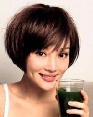 辣妈李小璐凌乱感的波波头发型