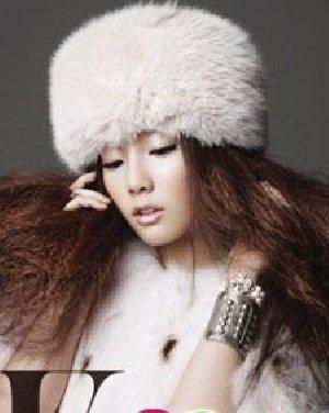 中韩女星时尚烟花烫造型  演绎前卫潮流发型