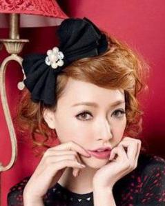 最新发饰韩式发型分享  发饰+发型更显时尚魅力