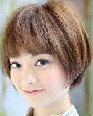 俏皮可爱气质的短发发型 增添时尚魅力