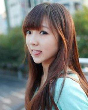 微微斜分的刘海发型 公主范气质直发发型分享