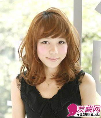 女生中长发烫发发型 空气感的飘逸盈动(5)图片