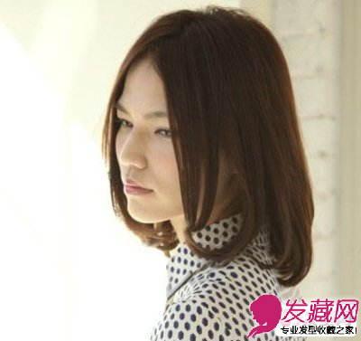 今年流行的时尚烫发发型设计 推荐及肩卷发发型(3)