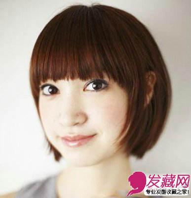 圆脸女生适合的短发发型 推荐短发发型(2)  导读:这是一款传统的学生图片