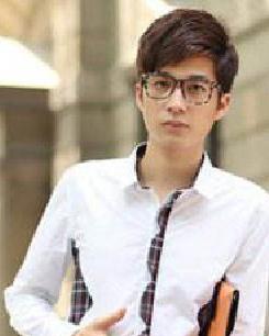最新男生纹理烫发型斜刘海发型 打造阳光帅气更迷人
