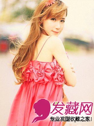 微卷发长发发型-中分的刘海发型 春季大热的长发发型图片分享 3图片