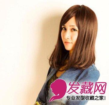 大脸女生的瘦脸斜刘海加上梨花烫 内扣中长发烫发发型(8)图片