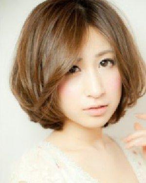 短发波波头内扣的烫发营造C型 各种脸型适合的刘海