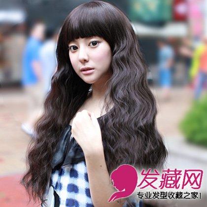 大脸女生适合剪的发型 显瘦长卷发发型图片(4)图片